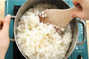 Προσθέτετε ελαιόλαδο όταν βράζετε ρύζι; Σταματήστε το αμέσως!