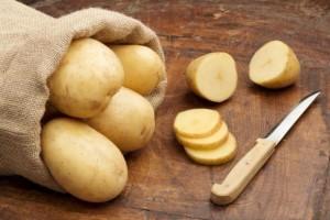 Βάζετε τις πατάτες στο ψυγείο; Μην το ξανακάνετε ποτέ!