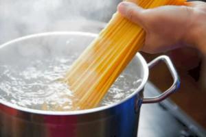 Το ολέθριο λάθος που κάνουμε όλοι όταν μαγειρεύουμε μακαρόνια