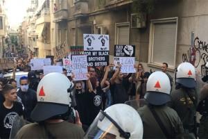 Πορεία με πάνω από 1.000 διαδηλωτές στο κέντρο της Αθήνας για τη δολοφονία του Τζόρτζ Φλόιντ