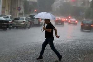 Καιρός Σαββατοκύριακο: Έκτακτο δελτίο για αφρικανική σκόνη, βροχές, πλημμύρες μέχρι του Αγίου Πνεύματος
