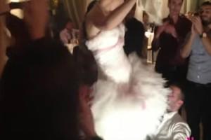 Το τσιφτετέλι της νύφης που έριξε στα πατώματα τον γαμπρό - Έχει 68.277 προβολές