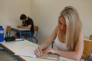 Πανελλαδικές εξετάσεις: Έτσι θα διαμορφωθούν τα ποσοστά εισαγωγής στα ΑΕΙ για αποφοίτους Λυκείου προηγούμενων ετών