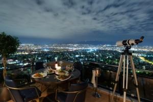 TELESCOPE:  Υπέροχη θέα με αναπάντεχες γευστικές απολαύσεις