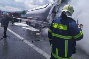 Τραγωδία στην Εθνική Οδό Αθηνών-Θεσσαλονίκης: Νεκρός οδηγός μετά από φωτιά σε βυτιοφόρο