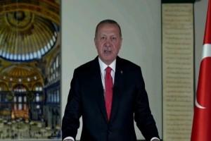 Προκλητικός ο Ερντογάν για την Αγιά Σοφιά: «Διορθώσαμε το λάθος του 1934»