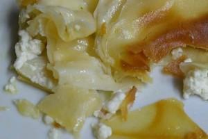 Η εύκολη τυρόπιτα με τα βραστά... φύλλα