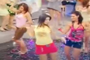 """Τσιφτετέλι κόλαση: Γυναίκες χορεύουν σε πλατό εκπομπής και """"αναστατώνουν"""" τους πάντες"""