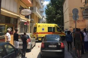 Σκηνές τρόμου στην Εφορία Κοζάνης: Άνδρας κυνηγούσε τους υπαλλήλους με τσεκούρι - Τραυμάτισε δύο