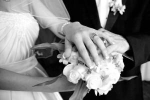 Ασύλληπτη τραγωδία: Πέθανε 25χρονη νύφη την ώρα της δεξίωσης - Έπαθε αλλεργικό σοκ από την τούρτα