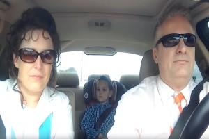 Μια μάνα άφησε τoν γιο της με την γιαγιά και τον παππού - Δεν περίμενε να κάνουν αυτό μέσα στο αυτοκίνητο...