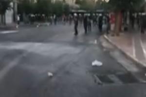 Ένταση στο κέντρο της Αθήνας: Πετροπόλεμος και ρίψη χημικών
