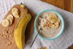 Μόνο με 4 υλικά φτιάχνουμε το τέλειο πρωινό μπανάνα