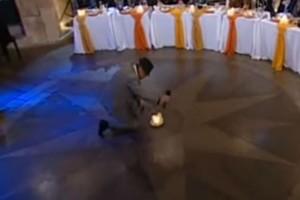 Το μερακλίδικο ζεϊμπέκικο διάσημου χορευτή που ανατρίχιασε τους πάντες