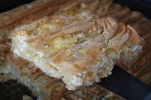 Πατσαβουρόπιτα: Η λαχταριστή τυρόπιτα που είναι έτοιμη σε χρόνο dt