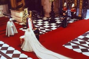 Έξαλλος ο Κάρολος με την πριγκίπισσα Νταϊάνα την ημέρα του γάμου τους - Αυτό το λάθος όνομα είπε ενώ τους πάντρευαν...