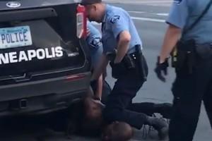 Νέο βίντεο από την δολοφονία του Τζορτζ Φλόιντ: «Μαμά σ' αγαπώ! Πες στα παιδιά ότι τα αγαπώ! Είμαι νεκρός» - Τα τελευταία του λόγια