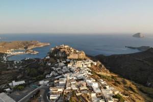 Παράδεισος: Το πανέμορφo ελληνικό νησί που θα περάσεις την ημέρα σου με 29 ευρώ!