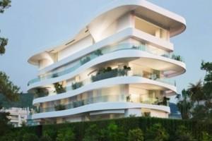 To συγκλονιστικό συγκρότημα κατοικιών στη Γλυφάδα έχει πισίνες σε κάθε μπαλκόνι ξεχωριστά