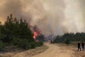 Μεγάλη πυρκαγιά στην Καλλίπολη της Τουρκίας - Εκκενώνονται χωριά