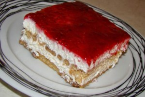 Νόστιμο γλυκό ψυγείου με γιαούρτι και μαρμελάδα - Σκέτος πειρασμός