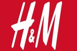 -70% από την αρχική τιμή: Το φόρεμα των H&M που τις τρέλανε όλες