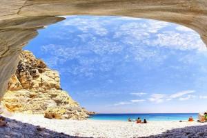 Το ελληνικό νησί που ζεις χωρίς ρολόι, άγχος και ταλαιπωρία με μόλις 20 ευρώ την ημέρα