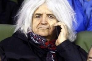 Επικός Νίκος Καρβέλας: Είναι ολόιδιος με τη... νέα του σύντροφο