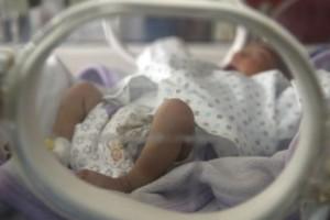Σοκ: Γεννήθηκε μωρό με κορωνοϊό - Κόλλησε από τη μήτρα της μητέρας