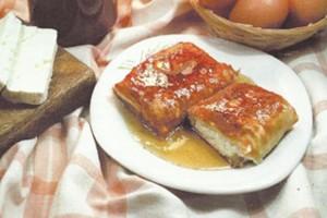 """Μελο-τυρόπιτα που θα σε κάνει να """"κολλήσεις"""" - Μια μοναστηριακή συνταγή"""