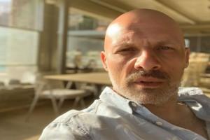 Τρισευτυχισμένος σε διακοπές με ξανθιά καλλονή ο Νίκος Μουτσινάς - Ανακοίνωσε ο ίδιος τα ευχάριστα