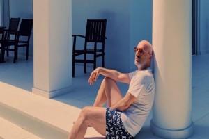 Χαμός με τον Νίκο Μουτσινά: Στην φόρα οι έξαλλοι χοροί με σειρά από αιθέριες παρουσίες