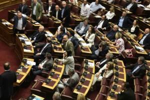 Ψηφίστηκε με 187 «ναι» το νομοσχέδιο για τις διαδηλώσεις