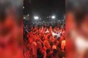 Στο Γουδή 2.000 άτομα αψήφησαν τον κορωνοϊό και πέρασαν... yolo όλοι μαζί σε πανηγύρι! (photos)
