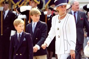 «Σεισμός» στο Buckinhgam: Στο «φώς» λεπτομέρειες για την κληρονομιά της Πριγκίπισσας Νταϊάνα