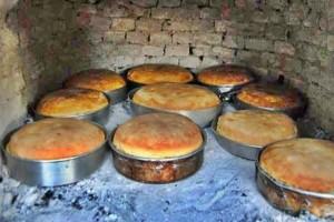 Φτιάξτε χωριάτικο ζυμωτό ψωμί με προζύμι