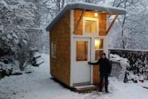 13χρονος χτίζει το δικό του σπίτι για 1.500 ευρώ! Μόλις το δείτε θα μείνετε άφωνοι (video)