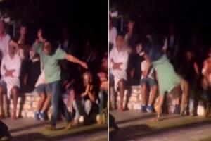 Άντρας χορεύει μερακλίδικα ζεϊμπέκικο με κωλοτούμπες σε συναυλία και ξεσηκώνει τα πλήθη