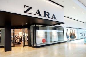 """""""Ουρές"""" στα ZARA για το cropped top με δερμάτινη υφή που θα σε κάνει να ξεχωρίσεις"""