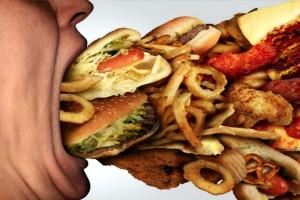 """Κίνδυνος: 7 τροφές """"καταστροφή"""" για την καρδιά σας"""