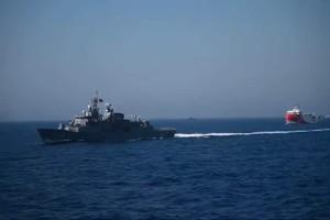 Συναγερμός στο Αιγαίο: Γέρνει το Kemal Reis μετά τη σύγκρουση με το «Λήμνος» - Η αντίδραση της Ελλάδας