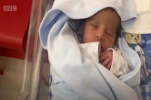 Συγκινητικό βίντεο: Μητέρα γεννά τη στιγμή της έκρηξης στη Βηρυτό