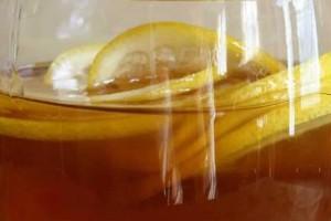 Κάθε πρωί έπινε λεμόνι με μέλι - Μετά από μια εβδομάδα είδε ότι...