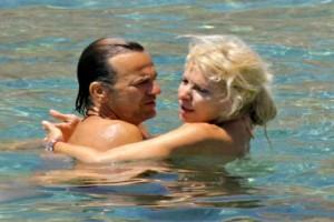 Έφυγαν από την Άνδρο Ματέο Παντζόπουλος και Ελένη Μενεγάκη - Τι συμβαίνει;
