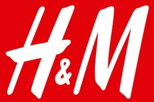 H&M: Σε σούπερ τιμή το must ψηλόμεσο παντελόνι - Κοστίζει μόλις 9,99€