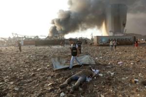 """""""Μαύρη ημέρα"""" ξημέρωσε στη Βηρυτό: Πάνω από 4.000 οι τραυματίες από την τρομακτική έκρηξη"""