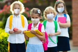 Κορωνοϊός: Με μάσκες οι μαθητές, με αρνητικό τεστ οι φοιτητές - Τα νέα δεδομένα και τα σενάρια για τον Σεπτέμβριο (Video)