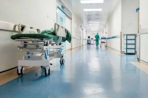 Συναγερμός στη Λάρισα: Επτά γιατροί θετικοί στον κορωνοϊό