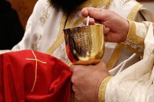 Κορωνοϊός: Εξαιρούνται... μόνο οι ιερείς για τη μάσκα - Πιθανότητα νέας μείωσης καλεσμένων στους γάμους
