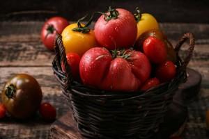 Το ολέθριο λάθος που κάνουμε όλοι και η ντομάτα χάνει τη γεύση της